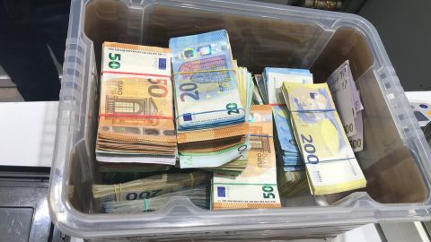 Geld in Box